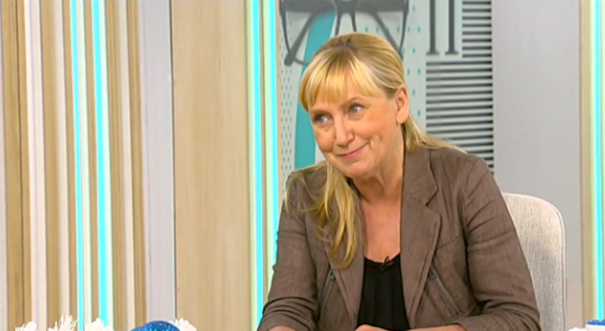 Елена Йончева с коментар за евроизборите, пътя край Своге и АПИ