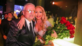 Христо Сираков глези новата