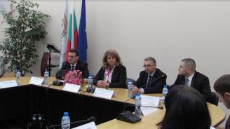 Вицепрезидентът се срещна с чуждестранни студенти от български произход