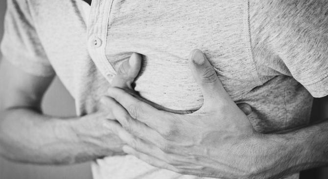 Рискът от инфаркт по празниците е най-голям на Бъдни вечер в 22 часа