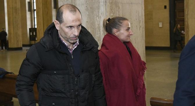 Не дадоха старт на делото на Мартин Петров срещу банка за 4 млн. лева (снимки)