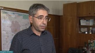 Кметът на Кнежа отрича самотни възрастни хора от общината да са починали от студ