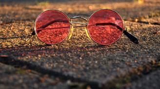 Днес е лесно да се влюбим от пръв поглед, тъй като гледаме на света през розови очила