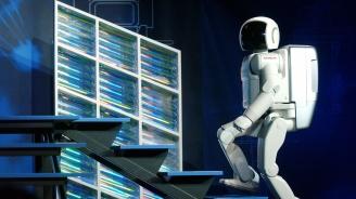 Високотехнологичен робот се оказа мъж в костюм (снимка+видео)
