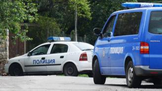 Украинец помете три паркирали коли и подпорна стена на мандра