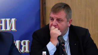 Каракачанов: От три години и половина оплаквания за липса на храна в армията няма (видео)
