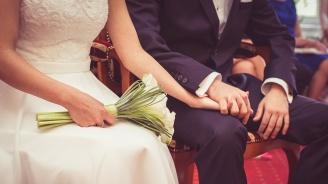 Съдят по двама на ден за фиктивни бракове