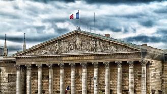 Парламентът на Франция отхвърли вота на недоверие към правителството