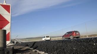 """Ремонтират пропаднал два пъти за месец участък от магистрала """"Марица"""" (снимки)"""