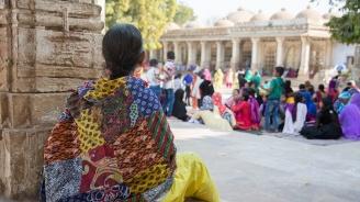 11 души починаха, 90 са в болница заради хранително отравяне в индийски храм