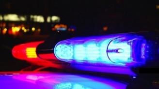 Издирват шофьор, блъснал и ранил тежко пътен полицай (обновена+снимка)
