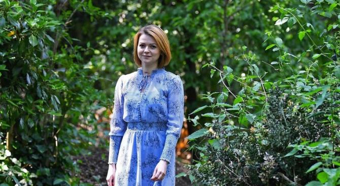 Юлия Скрипал вероятно е отвлечена от британски военни, написа московският