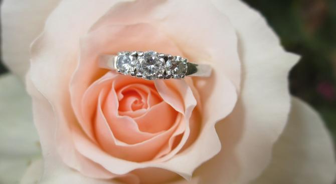 Американка от Ню Джърси получи обратно своя брачен пръстен, след