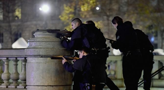 Евродепутатите в Страсбург станаха за кратко заложници на паниката след