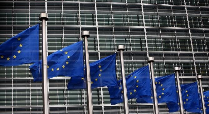 Лидерите на 28-те страни в Европейския съюз удължиха днес с