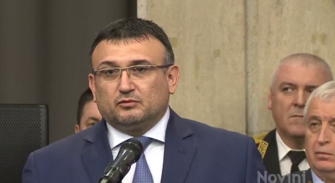 Младен Маринов: Всички ние сме длъжници на нашите деца