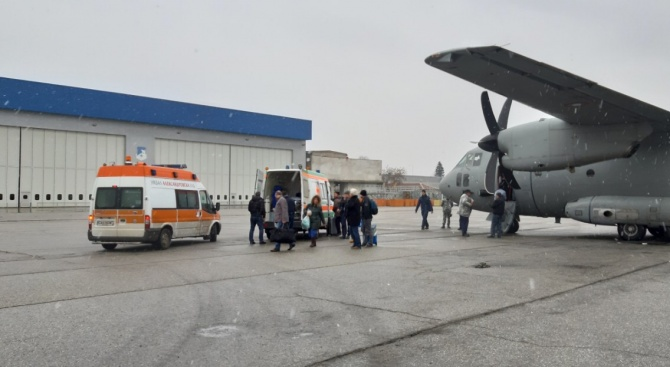 "Тази сутрин самолет C-27J ""Spartan"" от транспортна авиогрупа Враждебна на"