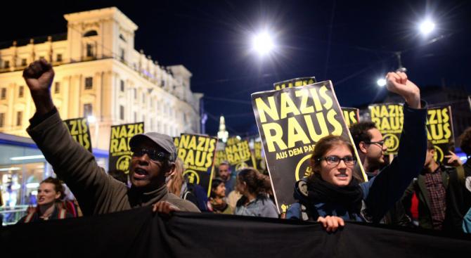 Протест и във Виена по повод една година от управлението на коалицията между десница и крайна десница