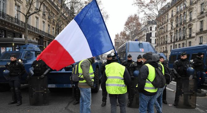 """В петото действие на протестите на движението на """"жълтите жилетки"""""""