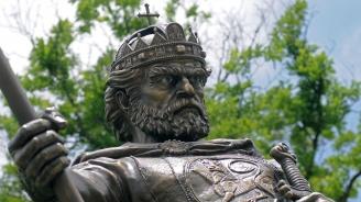 Ще светят ли очите на паметника на цар Самуил отново? (видео)