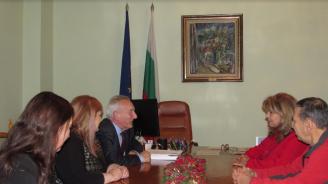 """Илияна Йотова разговаря с вицепрезидента на """"Европа ностра"""" Пийт Яспърт"""