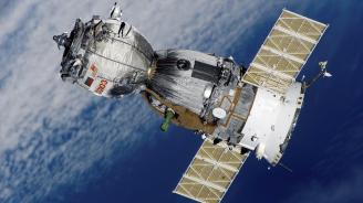 """Корабът """"Союз МС-09""""с трима членове от екипажа на МКС се приземи в Казахстан"""