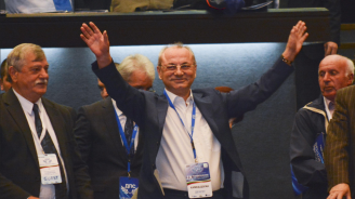 Ахмед Доган се обяви за програмен парламентарен кабинет