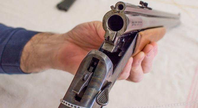 20-годишен от Елена се е прострелял със законно притежавано ловно