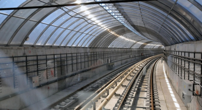 Догодина, до края на годината, метрото на София ще бъде