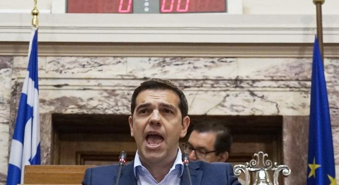 Жалка атака срещу демокрацията, каза гръцкият премиер Алексис Ципрас, предаде