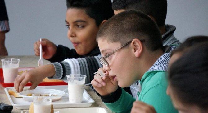 Община Ловеч проверява организацията на хранене в училище