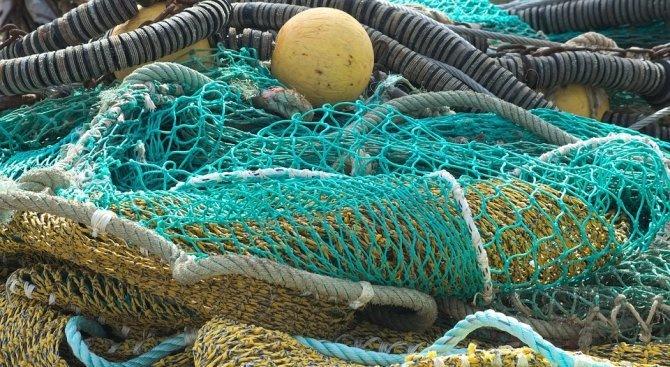 Риболовен кораб се е блъснал в пристанищно съоръжение на порт-Балчик,