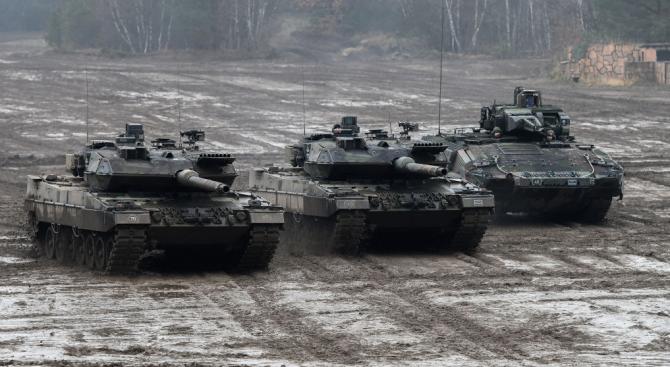 Националните бюджети за отбрана бележат най-големия си ръст от 10 години