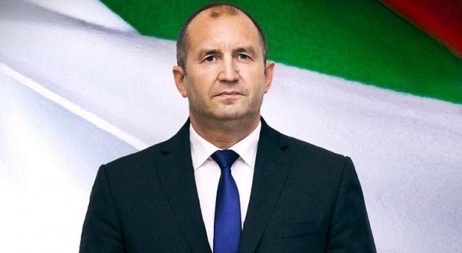 От 14.00 часа президентът Румен Радев ще поздрави участниците в