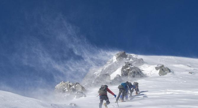 Как да оцелеем през зимата в планината