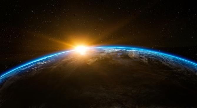 Китай се обяви против милитаризиране на космоса, ден след като