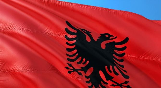Албания каза, че е изгонила двама ирански дипломати, като заяви,