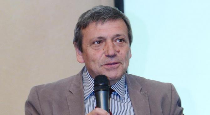 Известният икономист Красен Станчев коментира във фейсбук страницата си за