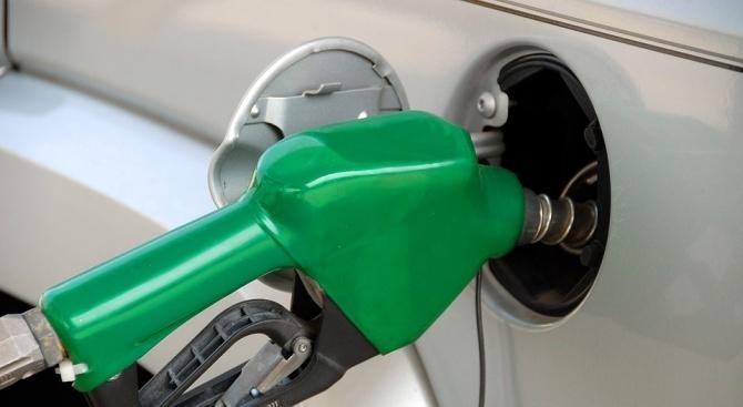 Цените на горивата с нова стъпка надолу