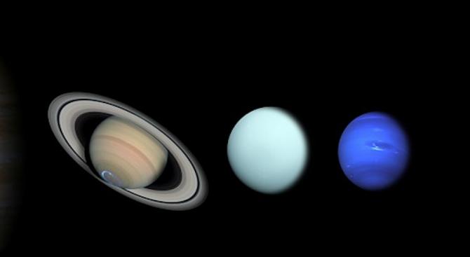 Планетата Уран е обърната настрани заради силен космически сблъсък