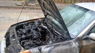 """Подпалиха коли на свидетели по """"Суджукгейт"""" в Добрич (снимки)"""