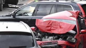 Верижна катастрофа в Пловдив: Един мъж пострада
