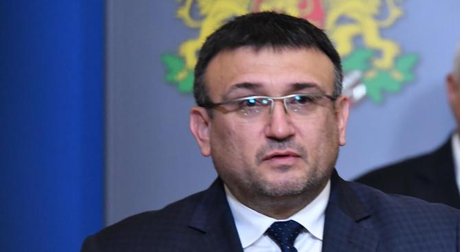 Младен Маринов разпореди проверка на катастрофата с директора на Гранична полиция