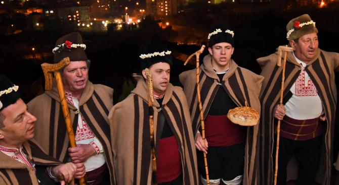 Представят зимни обреди в сливенското село Мечкарево