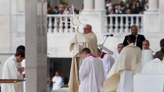 Папата изпрати държавния секретар на Ватикана в Ирак, за да посрещне Рождество с местните християни