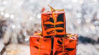 Дядо Коледа на мотор раздаде подаръци на децата в Бургас