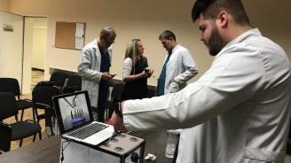 """Хирурзите от """"Пирогов"""" се обучават със специален тренажор"""