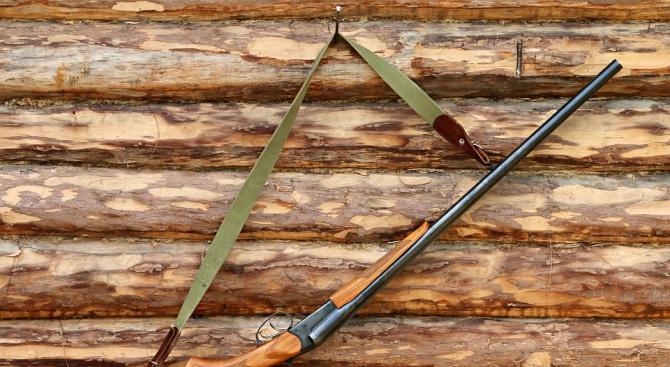 Мъж заплаши жена си с незаконна ловна пушка