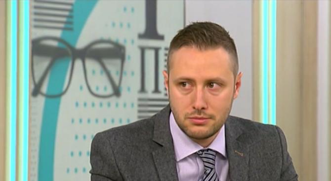Валерия Велева: Президентът се опитва да изземе ролята на БСП