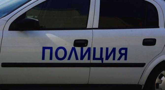 Нелегален арсенал и наркотици са открити в 19-годишен младеж от село Жълтуша
